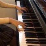 【画像】ピアノ演奏系YouTuberさん、お●ぱいを売りにしてしまうwwwwwwwwwwww