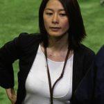 【画像】NHK 杉浦友紀アナの「たわわに実ったおっぱい」でシコり散らしたいヤツはちょっと来い!