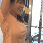 【GIF画像】鷲見玲奈アナのトレーニング風景がいくらなんでもエ□すぎるwwwwwwwwwww