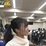 【画像】小島瑠璃子さん、学生の前でガッツリ乳を強調してしまうwwwwwwwwww