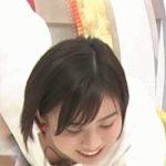 【放送事故】女子アナがエチエチすぎる放送事故!ガッツリ見えちゃってるじゃん!【GIF画像】