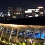 【東京五輪】開会式演出か?会場に響くあのテーマ曲!闇夜のドローン大群