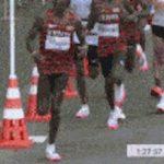 【GIF画像】マラソン男子でとんでもない非人道的行為!これはガチでヤバすぎる…