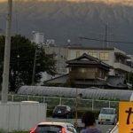 【衝撃画像】富士山、謎の竜巻が発生し外と隔絶されてしまう…